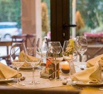 Hoe je te gedragen in een restaurant?