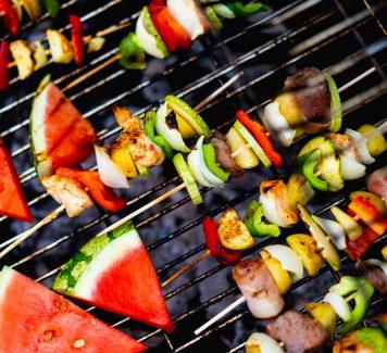 Een gezonde BBQ organiseren: 4 tips
